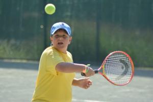tennis-kid